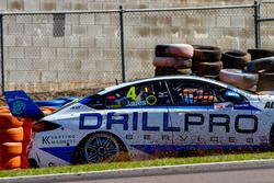 Crash, Macauley Jones, Brad Jones Racing Holden