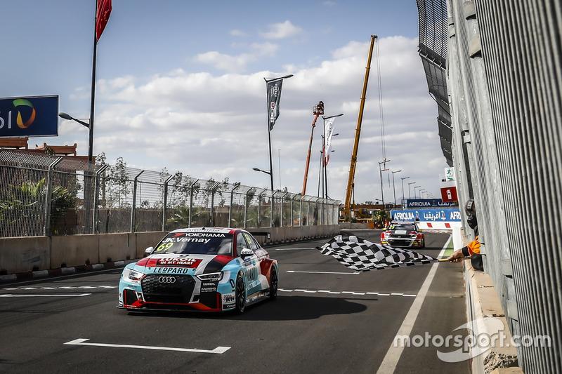 Il vincitore della gara Jean-Karl Vernay, Audi Sport Leopard Lukoil Team Audi RS 3 LMS