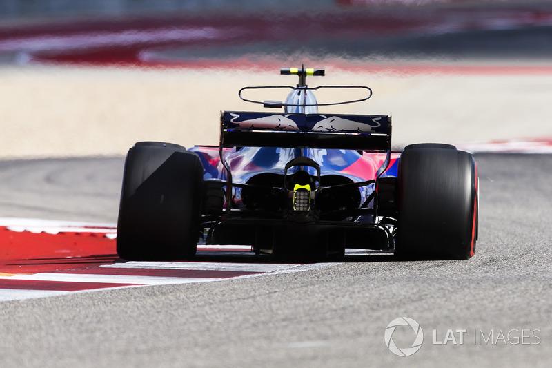 2017 год. За рулем болида Toro Rosso STR12 на пятничной тренировке