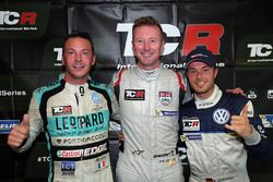 Polesitter Gordon Shedden, second place Jean-Karl Vernay, Leopard Racing Team WRT, third place Benja