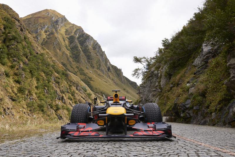 Red Bull F1 en Gotthard Pass