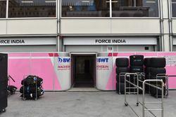 Le garage Force India F1