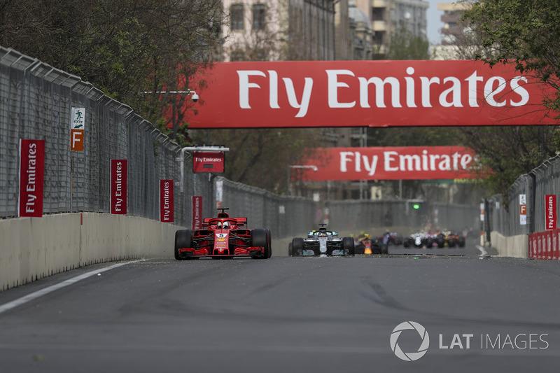 Sebastian Vettel, Ferrari SF71H al comando al primo giro