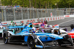 Nicolas Prost, Renault e.Dams, leadsAlex Lynn, DS Virgin Racing