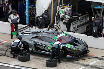 #44 Magnus Racing Lamborghini Huracan GT3, GTD: John Potter, Andy Lally, Spencer Pumpelly, Marco Mapelli, Pit Stop