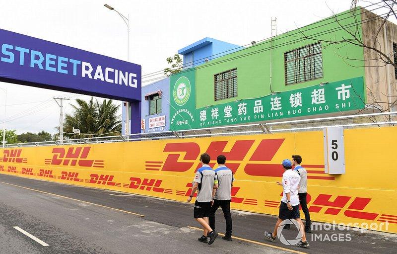 Felipe Massa, Venturi Formula E, walks the circuit with team members