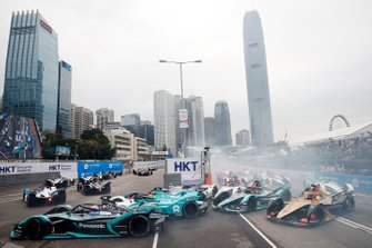 Nelson Piquet Jr., Panasonic Jaguar Racing, Jaguar I-Type 3 Tom Dillmann, NIO Formula E Team, NIO Sport 004, Robin Frijns, Envision Virgin Racing, Audi e-tron FE05 at the start