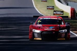 #2 Audi Sport Team Valvoline Audi R8 LMS: Christopher Mies, Christopher Haase, Markus Winkelhock