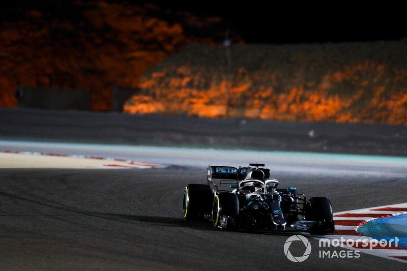 3: Lewis Hamilton, Mercedes AMG F1 W10, 1:28.190