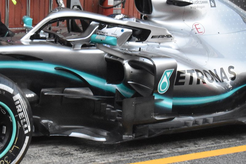 Detalle lateral del Mercedes AMG F1 W10