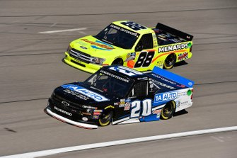 Spencer Boyd, Young's Motorsports, Chevrolet Silverado 1A Auto and Matt Crafton, ThorSport Racing, Ford F-150