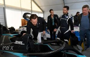 Actor Ewan McGregor has a look at the Gen 2 Formula E car