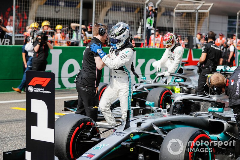 Valtteri Bottas, Mercedes AMG F1, celebrates pole after Qualifying