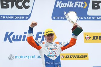 Podium race 3: second Rory Butcher, AmD Tuning Honda Civic