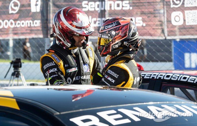 Ganador de la carrera Leonel Pernía, Renault Sport, segundo lugar Facundo Ardusso, Renault Sport