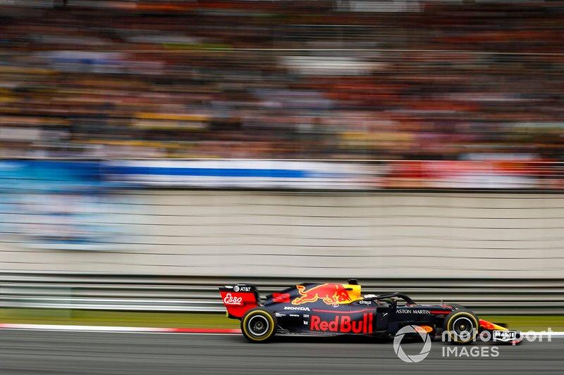 Во второй тренировке Ферстаппен и Red Bull не поняли друг друга