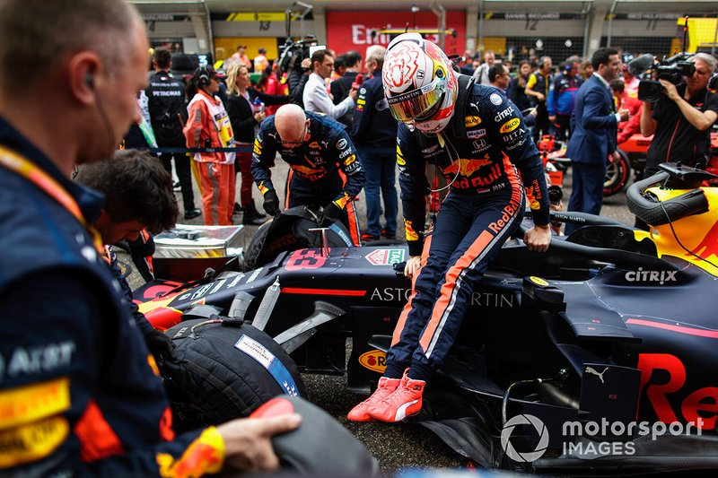 Pierre Gasly, Red Bull Racing, arrives on the grid