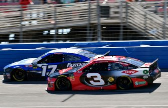 Ricky Stenhouse Jr., Roush Fenway Racing, Ford Mustang Fastenal and Austin Dillon, Richard Childress Racing, Chevrolet Dow Coatings