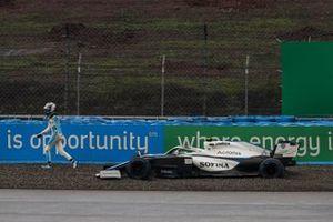 Nicholas Latifi, Williams Racing, walks away from his beached car