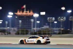 #31 Team Parker Racing, Bentley Continental GT3: Derek Pierce, Euan McKay, Andrew Meyrick