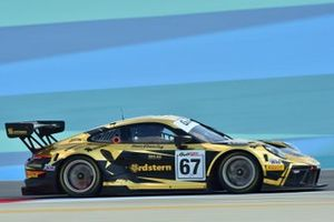 #67 Dinamic Motorsport, Porsche 911 GT3R: Roberto Pampinini, Mauro Calamia, Stefano Monaco