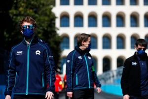 Oliver Turvey, NIO 333, walks the track with team mates