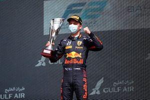Liam Lawson, Hitech Grand Prix, 1st position, on the podium