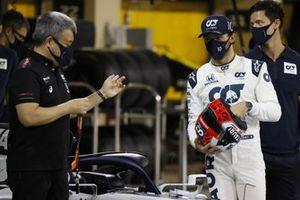 Masashi Yamamoto, General Manager, Honda Motorsport , and Pierre Gasly, AlphaTauri