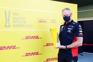 Jonathan Wheatley, Team Manager, Red Bull Racing, receives the DHL Fastest Pit Stop Award