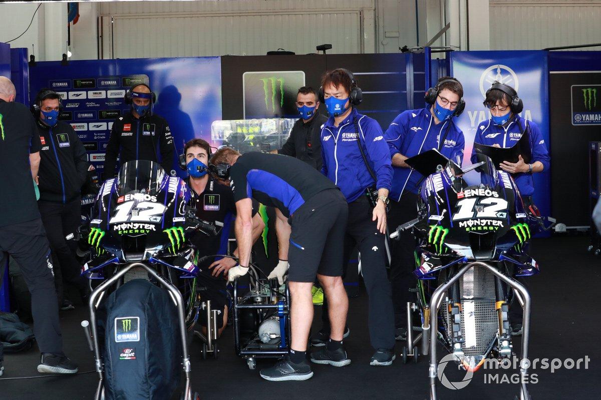 Maverick Vinales, Yamaha Factory Racing, il garage della Yamaha