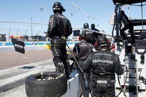 Justin Haley, Spire Motorsports, Chevrolet Camaro, Crew