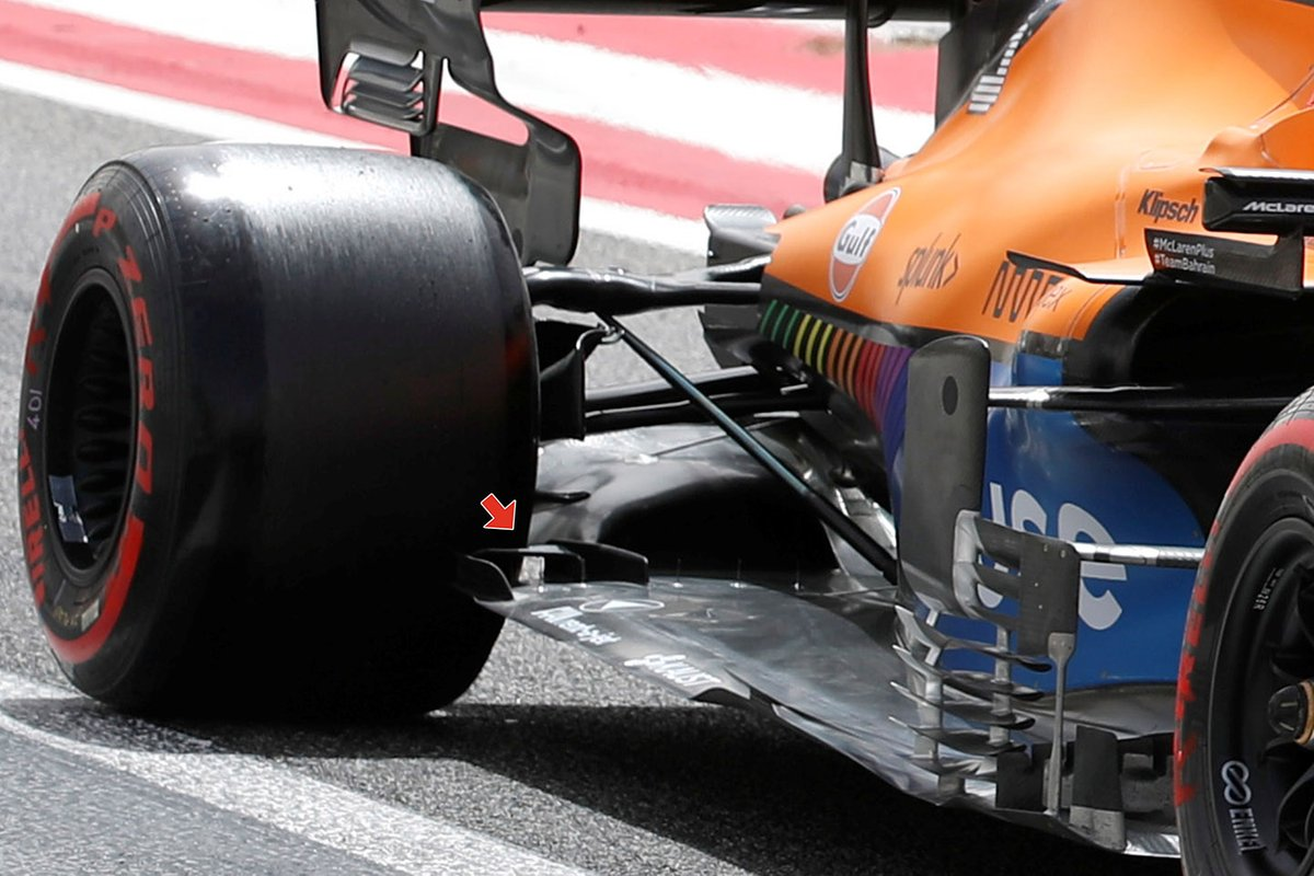 Detalle del suelo del McLaren MCL35M