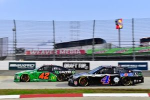 Matt Kenseth, Chip Ganassi Racing, Chevrolet Camaro Clover, Kevin Harvick, Stewart-Haas Racing, Ford Mustang Mobil 1
