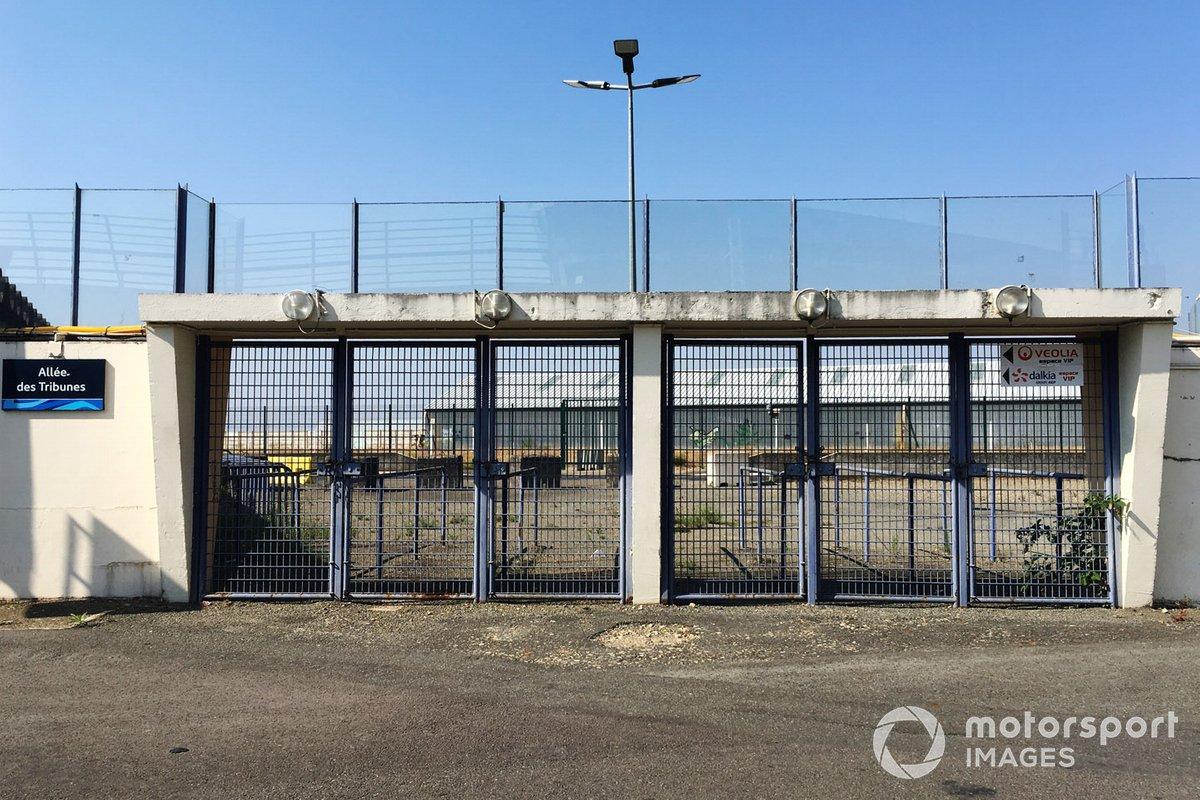 Una entrada cerrada al circuito para las 24 horas de Le Mans