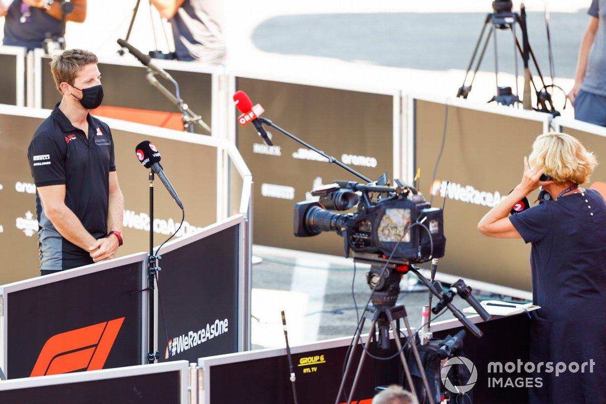 Romain Grosjean, Haas F1, con los medios
