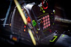 le garage de la #59 Aston Martin Vantage AMR GT3