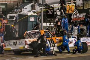 Derek Kraus, McAnally Hilgemann Racing, Toyota Tundra Incredible Bank pit stop