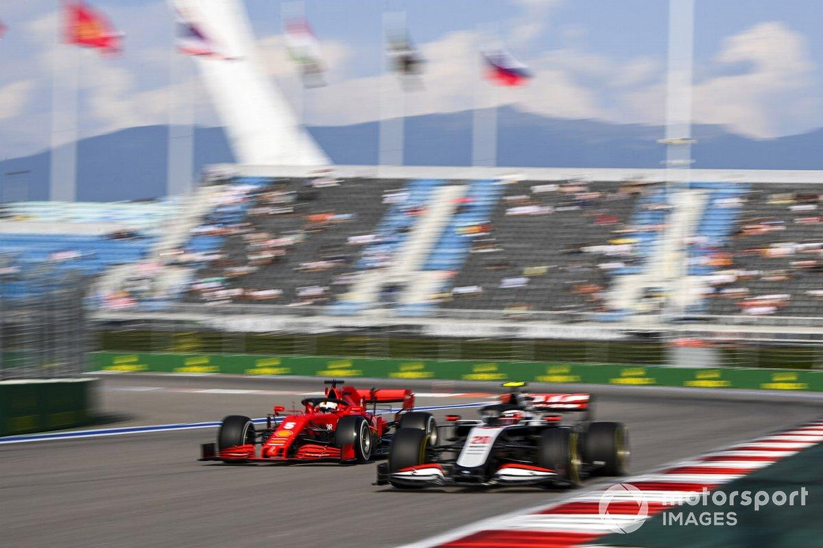 Kevin Magnussen, Haas VF-20, Sebastian Vettel, Ferrari SF1000