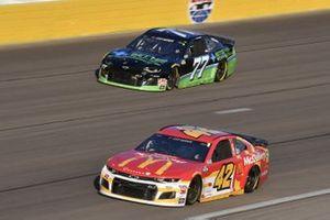 Matt Kenseth, Chip Ganassi Racing, Chevrolet Camaro McDonald's, J.J. Yeley, Spire Motorsports, Chevrolet Camaro Betterforyourhealth.com