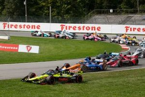 Santino Ferrucci, Dale Coyne Racing with Vasser Sullivan Honda, Scott Dixon, Chip Ganassi Racing Honda, start, crash