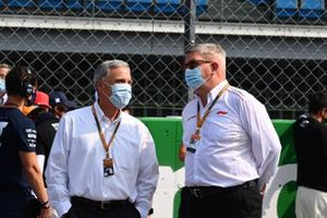 Chase Carey, Chairman, Formula 1, and Ross Brawn, Managing Director of Motorsports, FOM, on the grid