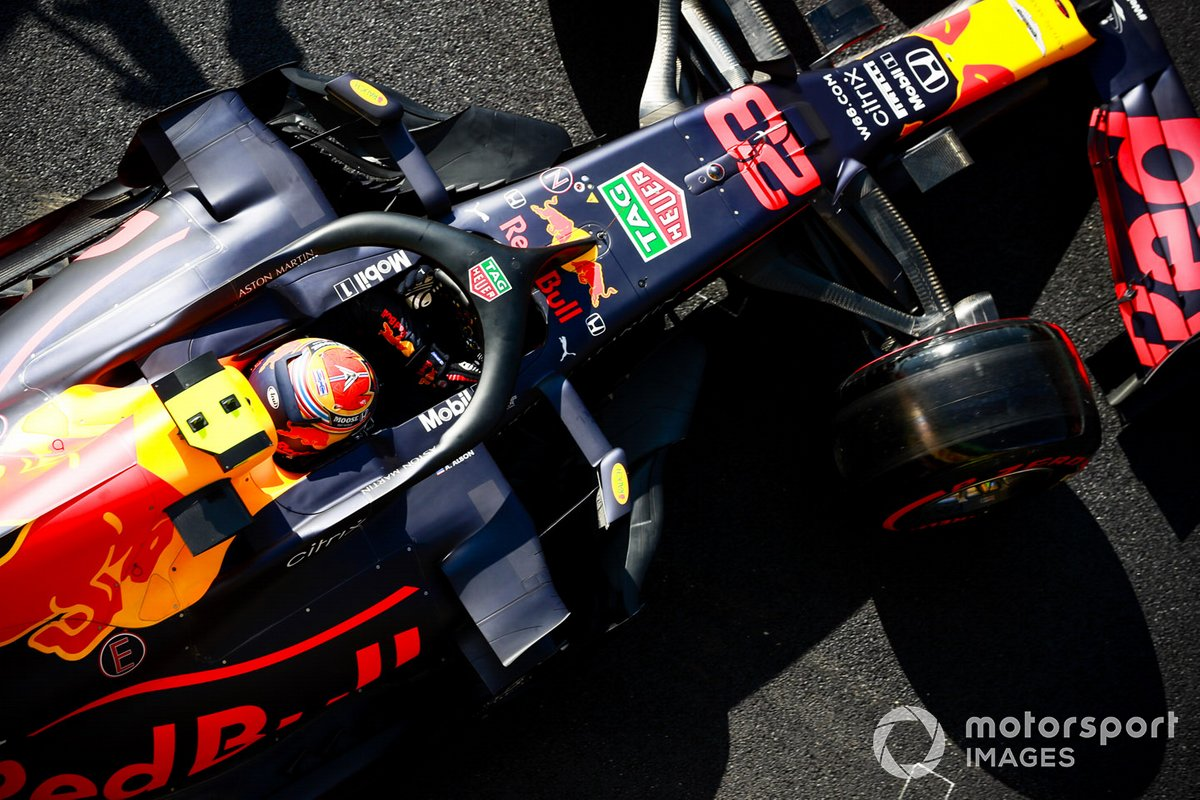 Alex Albon, Red Bull Racing RB16, leaves the garage