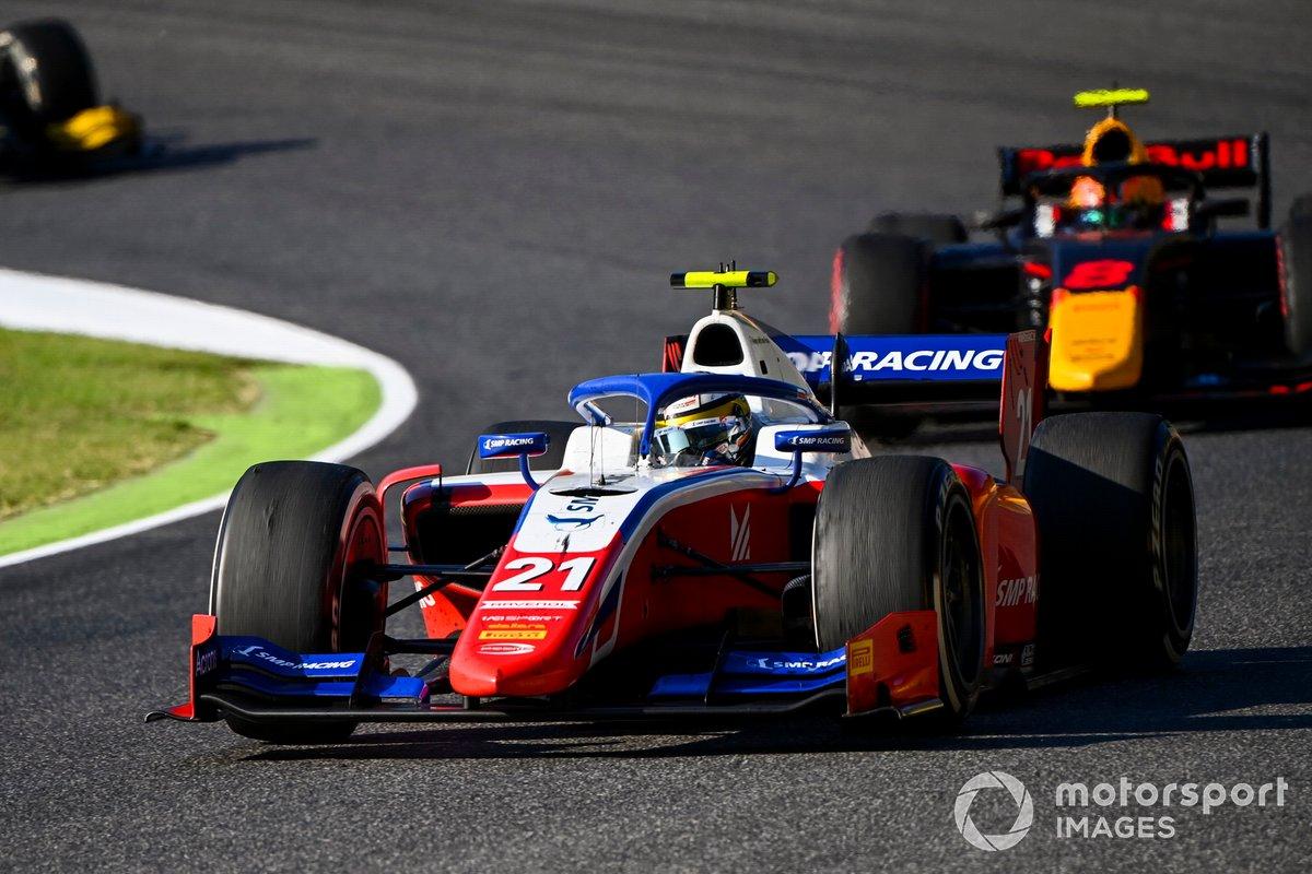 Robert Shwartzman, Prema Racing, precede Jehan Daruvala, Carlin