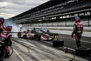 Rinus VeeKay, Ed Carpenter Racing Chevrolet, Max Chilton, Carlin Chevrolet, pit stop
