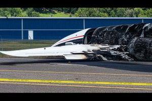 Ausgebranntes Unfallflugzeug von Dale Earnhardt Jr.