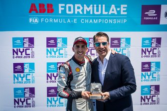 Sébastien Buemi, Nissan e.Dams gets pole position award from Marco Parroni, Head of Global Sponsoring, Managing Director SA Julius Baer