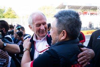 Dr. Helmut Marko, Red Bull Racing and Masashi Yamamoto, General Manager, Honda Motorsport