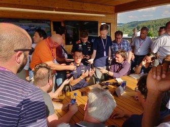 De media met Alexander Albon, Red Bull Racing