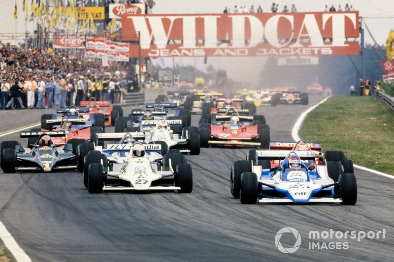 Patrick Depailler, Ligier JS11 Ford voor Alan Jones, Williams FW07 Ford, Nelson Piquet, Brabham BT48 Alfa Romeo en Jacques Laffite, Ligier JS11 Ford