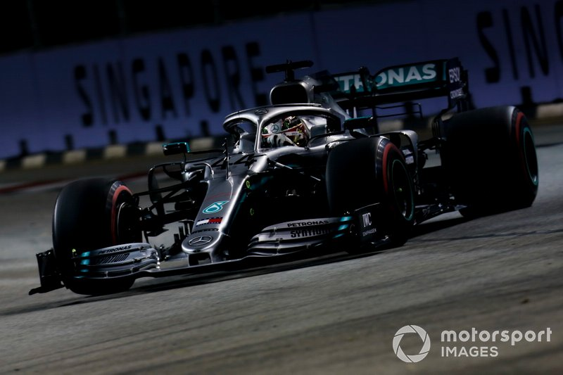 2: Lewis Hamilton, Mercedes AMG F1 W10, 1'36.408